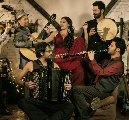 Del Ebro al Danubio, el álbum más creativo de la Barcelona Gipsy balKan Orchestra (BGKO)